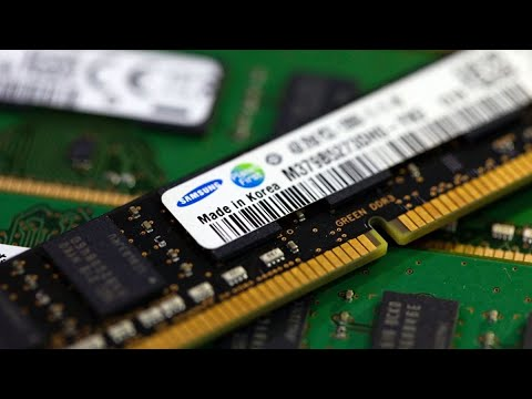 Samsung to Outperform SK Hynix, Hana Financial Says